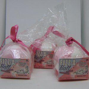3 SOAP & GLORY Fizz-A-Ball Bath Bomb